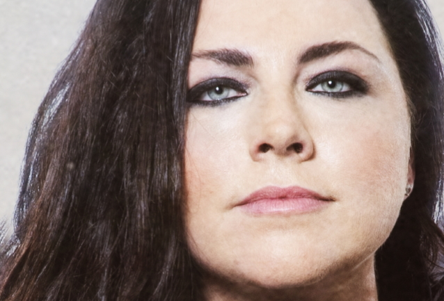 EVANESCENCE's AMY LEE: We Need A Leader Who Accepts That COVID-19 Is Real And It Is Killing People