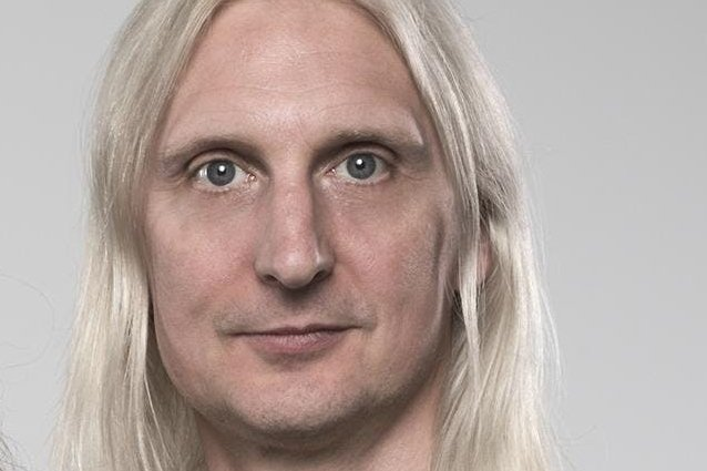 HAMMERFALL's OSCAR DRONJAK: 'You Can't Have A Metal Concert With A Seated Audience'