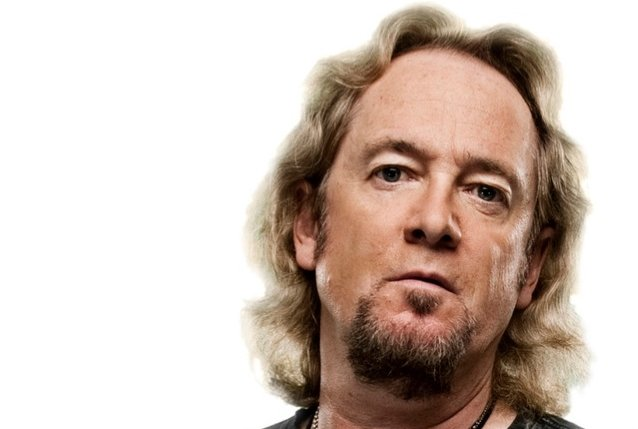 IRON MAIDEN's ADRIAN SMITH: 'You Have To Dedicate Yourself To One Thing If You Wanna Make An Impression'