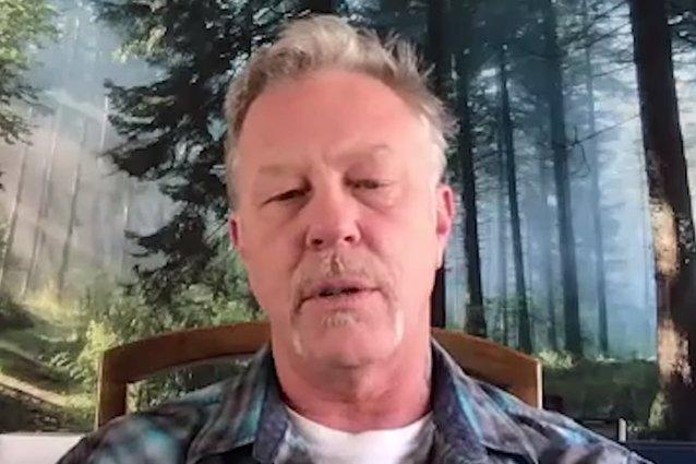 METALLICA's JAMES HETFIELD Talks About 'Metallica Scholars' Program (Video)