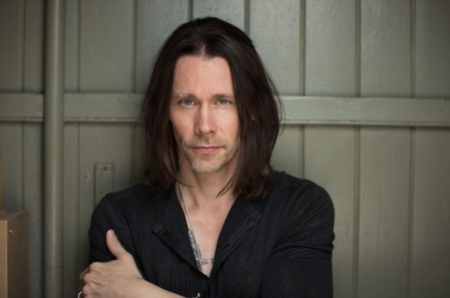MYLES KENNEDY On His Upcoming Solo Album: 'Lyrically, It Was A Lot Harder To Write Than I Thought It Was Gonna Be'