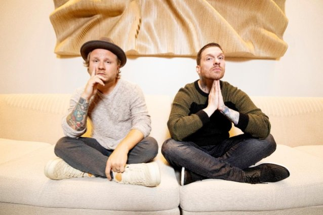 SHINEDOWN's BRENT SMITH And ZACH MYERS Release Music Video For 'One More Time'