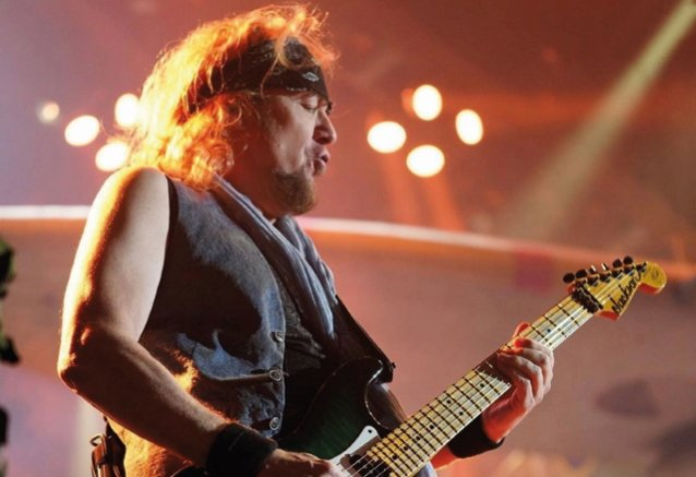 ADRIAN SMITH Was 'A Little Uncomfortable' With IRON MAIDEN's 'Violent' EDDIE Imagery