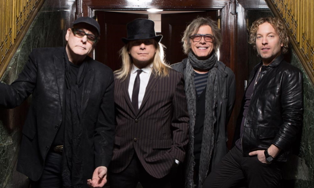CHEAP TRICK Signs With BMG For New Album: 'We're Very Excited About It,' Says ROBIN ZANDER