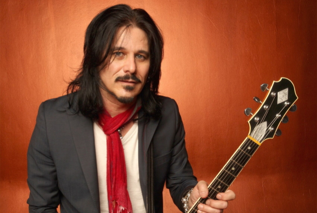 GILBY CLARKE Is 'Always' Open To Playing With GUNS N' ROSES Again
