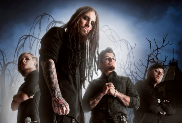 KORN Guitarist BRIAN 'HEAD' WELCH's LOVE AND DEATH Project To Release 'Perfectly Preserved' Album; 'Down' Single Available