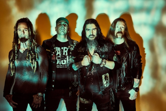 MACHINE HEAD: Behind-The-Scenes Look At Making Of 'My Hands Are Empty' Music Video