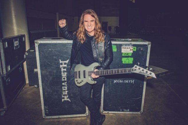 MEGADETH's DAVID ELLEFSON Says He Still Gets 'S**t' From 'Not Professional Bass Players' About Playing With A Pick