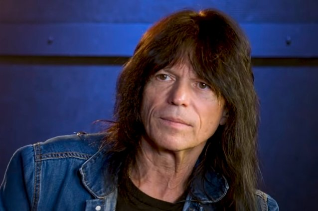 RUDY SARZO's Advice To Up-And-Coming Musicians: 'Think For Yourself'