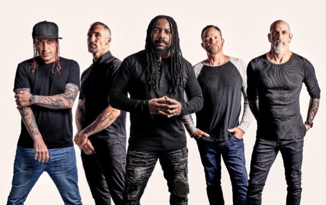 SEVENDUST's LAJON WITHERSPOON Says He And His Bandmates Are 'Growing As Artists'