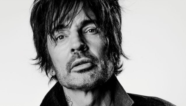 TOMMY LEE: Behind-The-Scenes Footage From Making Of 'Caviar On A Paper Plate' Video