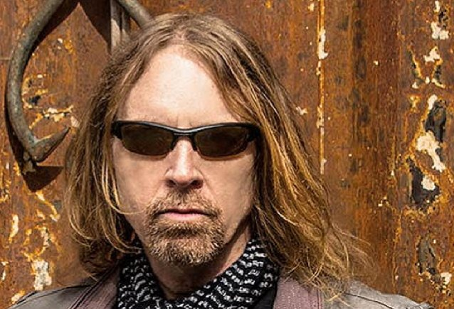FOREIGNER's JEFF PILSON Doesn't Understand Anti-Maskers